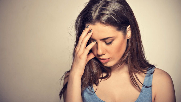 Anxious Woman Main 5 Beliefs That Are Making Your Anxiety Worse By Healthista